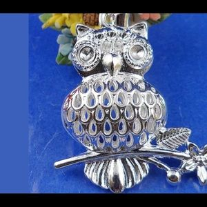 Jewelry - .925 Silver Detailed Owl Pendant